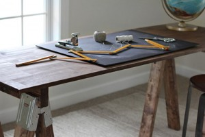 Sawhorse Desk with Stained Legs & How to Make a DIY Standing Desk/Door Table for $50 pezcame.com